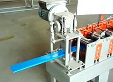 河北晶彩金属三维设备扣板机操作视频